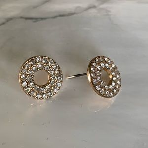 Jewelry - Gold round earrings with crystals